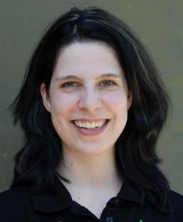 Christine Kohl wird sich in ihrer Masterarbeit mit der Etablierung von HUAEC-Zellen beschäftigen. Mit dem Zellmodel sollen anti-inflammatorische Effekte von ... - Kohl_Chr07